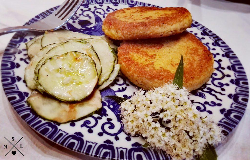 Knusprig gebackene Kartoffel-Couscous-Taler